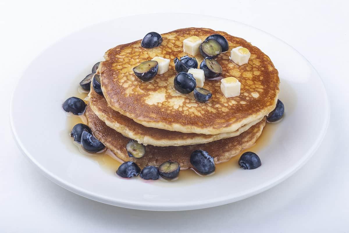 triplo-pancake-sciroppo-d-acero-mirtilli
